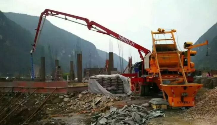 贵州21米搅拌泵车施工现场